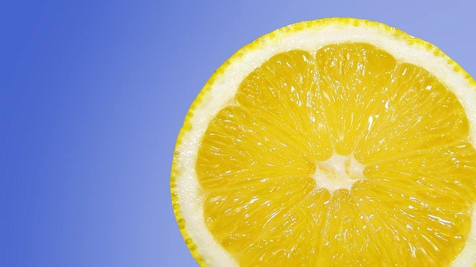 Польза лимона для здоровья и красоты. Рецепты масок с лимонным соком