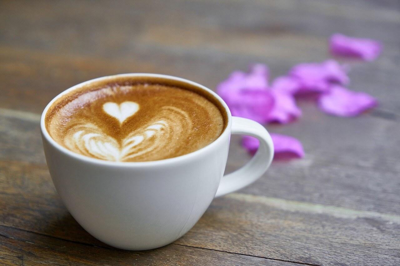Кофе без кофеина: полезнее обычного или нет?