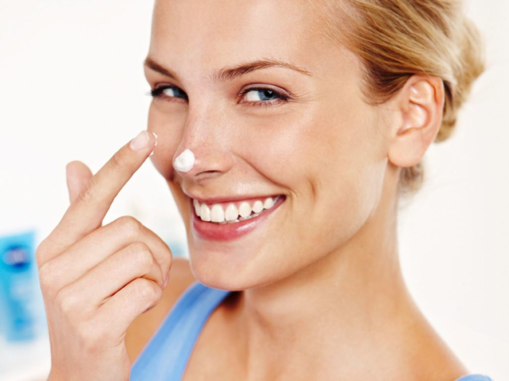 увлажнение сухой кожи лица кремом